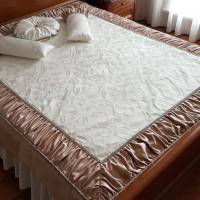покрывало дизайнерское в комплекте с декоративными подушками