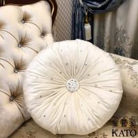 круглая подушка со стразами swarovski